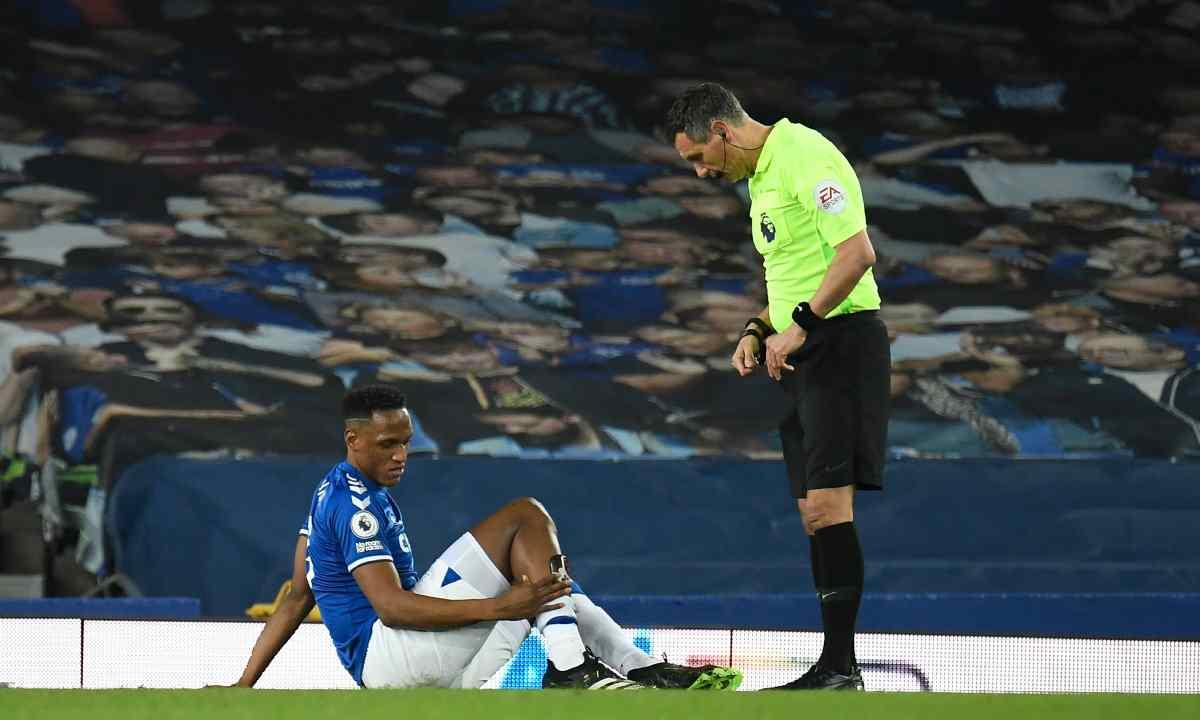 Mala suerte para Yerry Mina se lesionó vs. Mánchester City