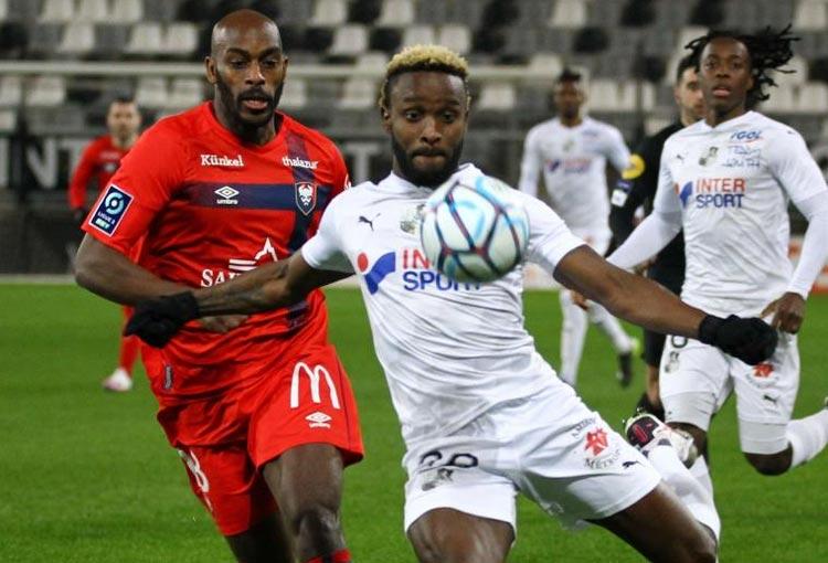 Stiven Mendoza en su regreso a Amiens: titular… ¿y nuevo contrato?