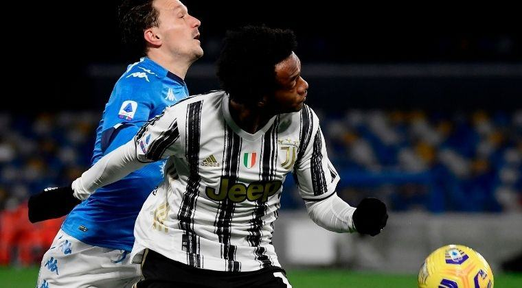 ¡Cuadrado prende las alarmas! No salió al campo en el segundo tiempo del Napoli vs. Juventus