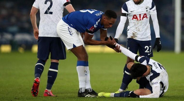 Yerry Mina, en el ojo del huracán tras regular presentación con Everton ante Tottenham