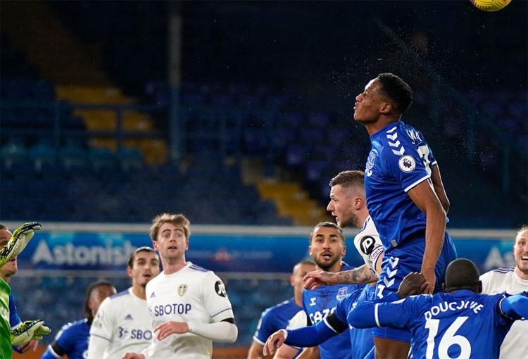 Con Yerry Mina y sin James Rodríguez. ¡Triunfazo de Everton sobre Leeds!