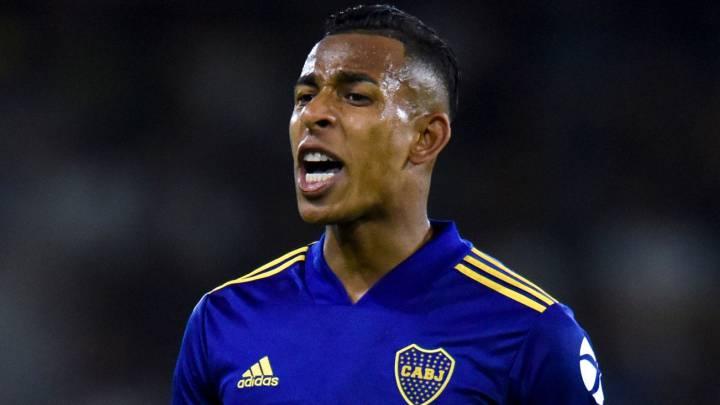 ¡No le bastó! Villa le pidió más tiempo a Boca para quedarse en Colombia