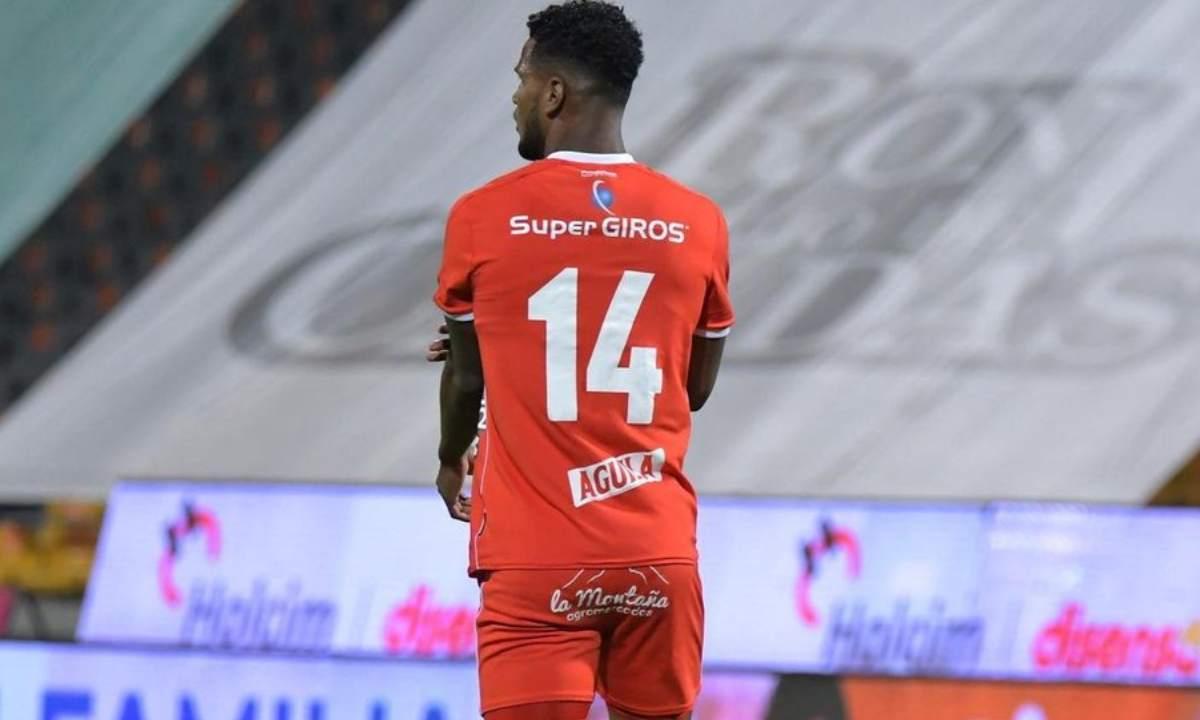 Adrián Ramos y su respaldo para el peruano Aldair Rodríguez