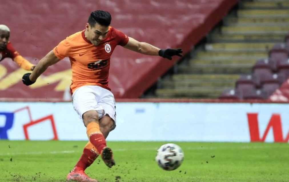 Gol de Falcao en el primer tiempo del Kayserispor vs. Galatasaray