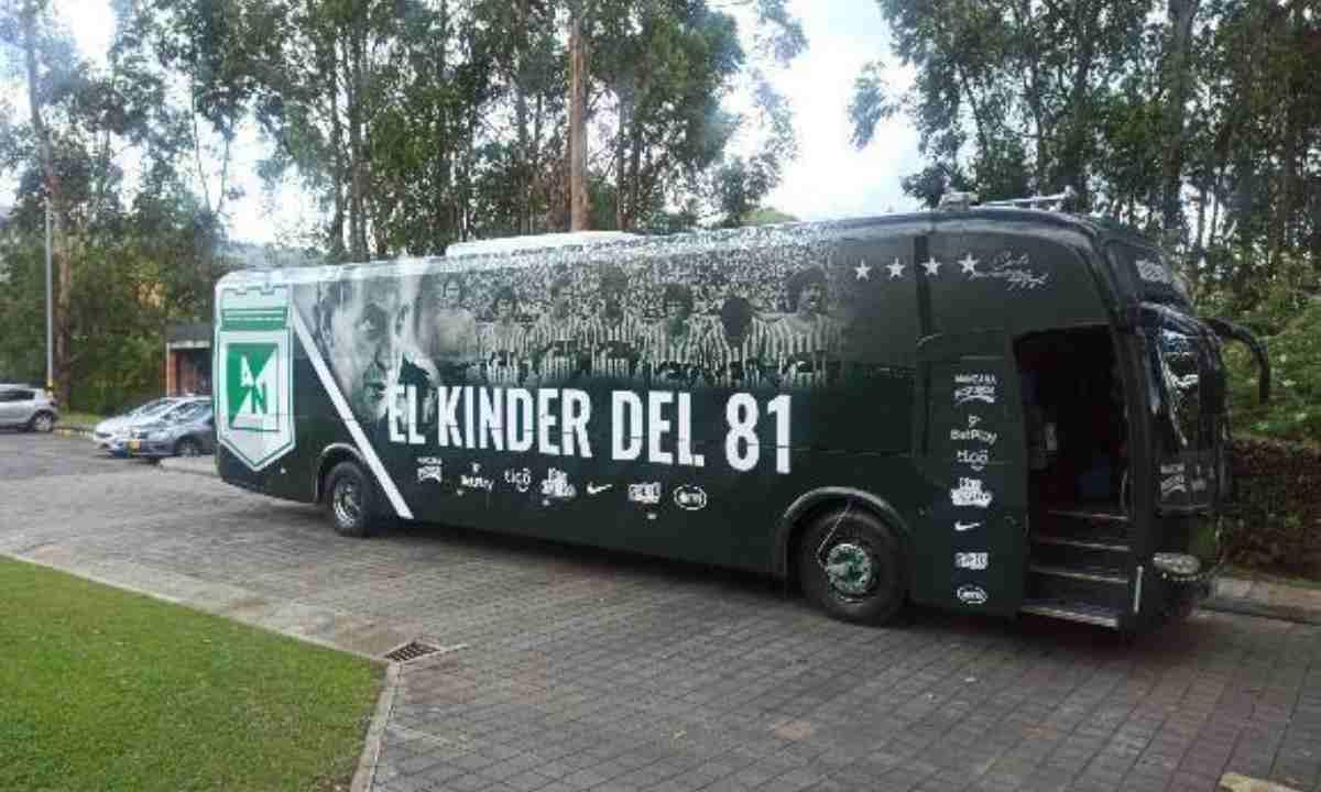 El bus de Atlético Nacional el diseño del hincha vs. el resultado final