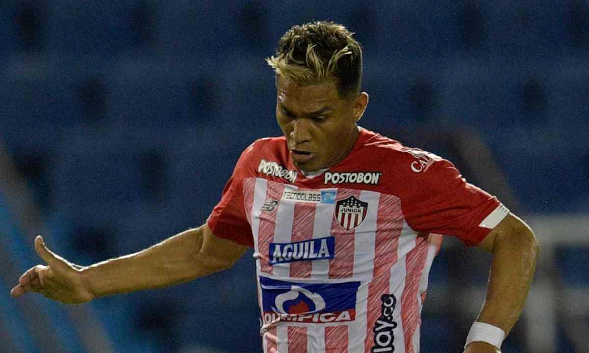 La última oferta de Junior para Teo Gutiérrez