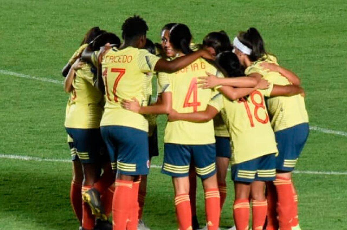 Un Balón de Cristal relata la historia del fútbol femenino colombiano