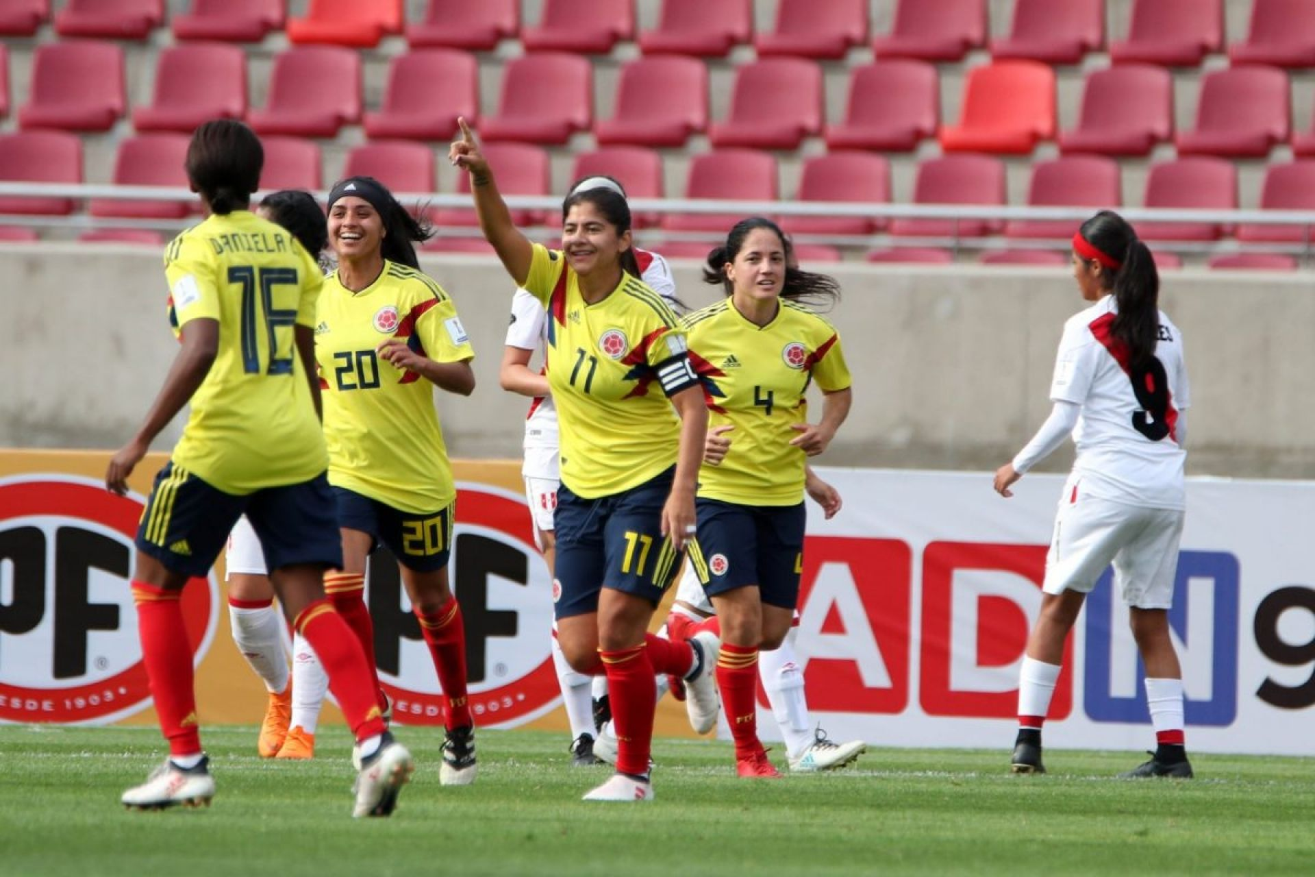 ¡Increíble! Una muñeca apoya más el fútbol femenino en Colombia que cualquier entidad