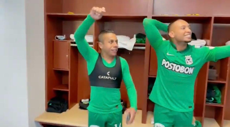 Jarlan y Vladimir celebraron el triunfo como paisas hinchas de Nacional
