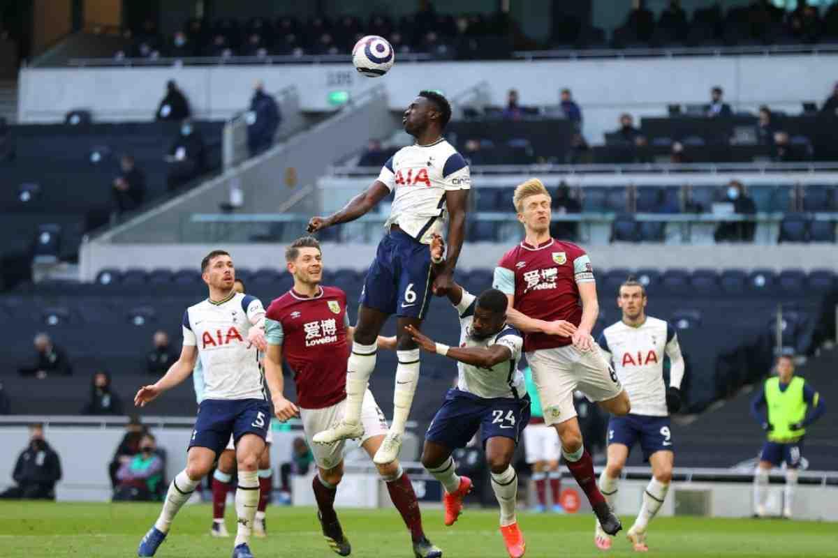 Mourinho elogió a Dávinson Sánchez por su desacatada actuación con Tottenham ante Burnley