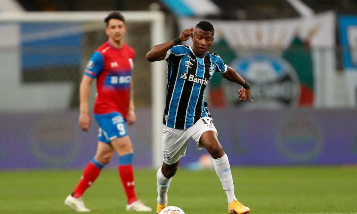 Otro cambio de equipo para Luis Manuel Orejuela en Brasil