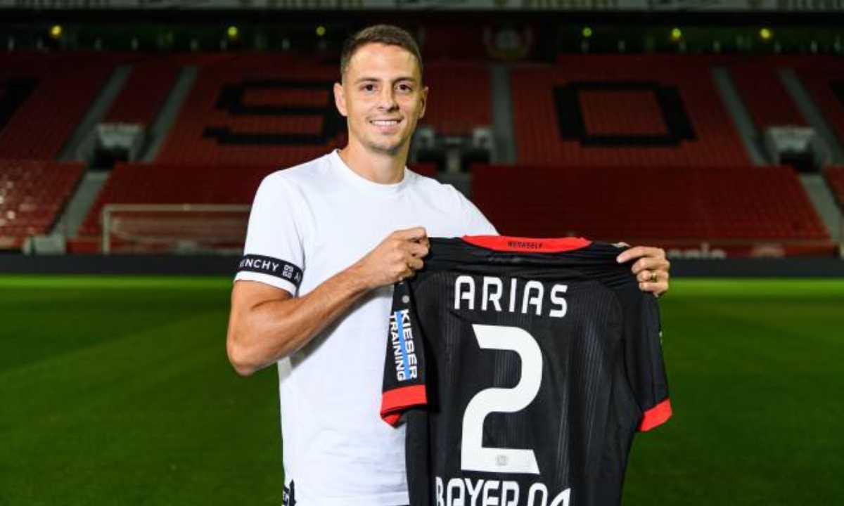 Santiago Arias y las 3 opciones que tiene para salir del Bayer Leverkusen