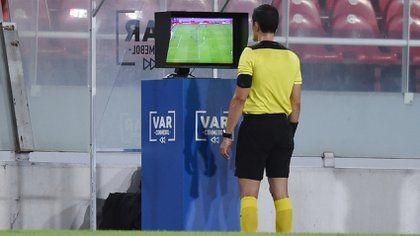 UEFA anunció VAR para las Eliminatorias al Mundial de Catar 2022
