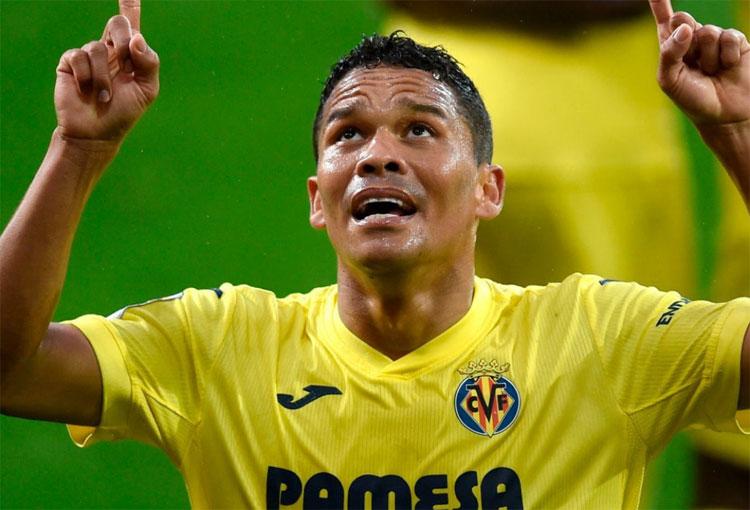 ¿Hace cuánto no marcaba Carlos Bacca y a qué récord de colombianos se acercó?