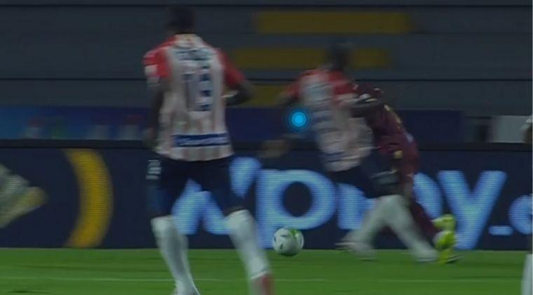 ¡Ni miró el VAR! Jugada polémica a favor del Junior en la victoria sobre Deportes Tolima
