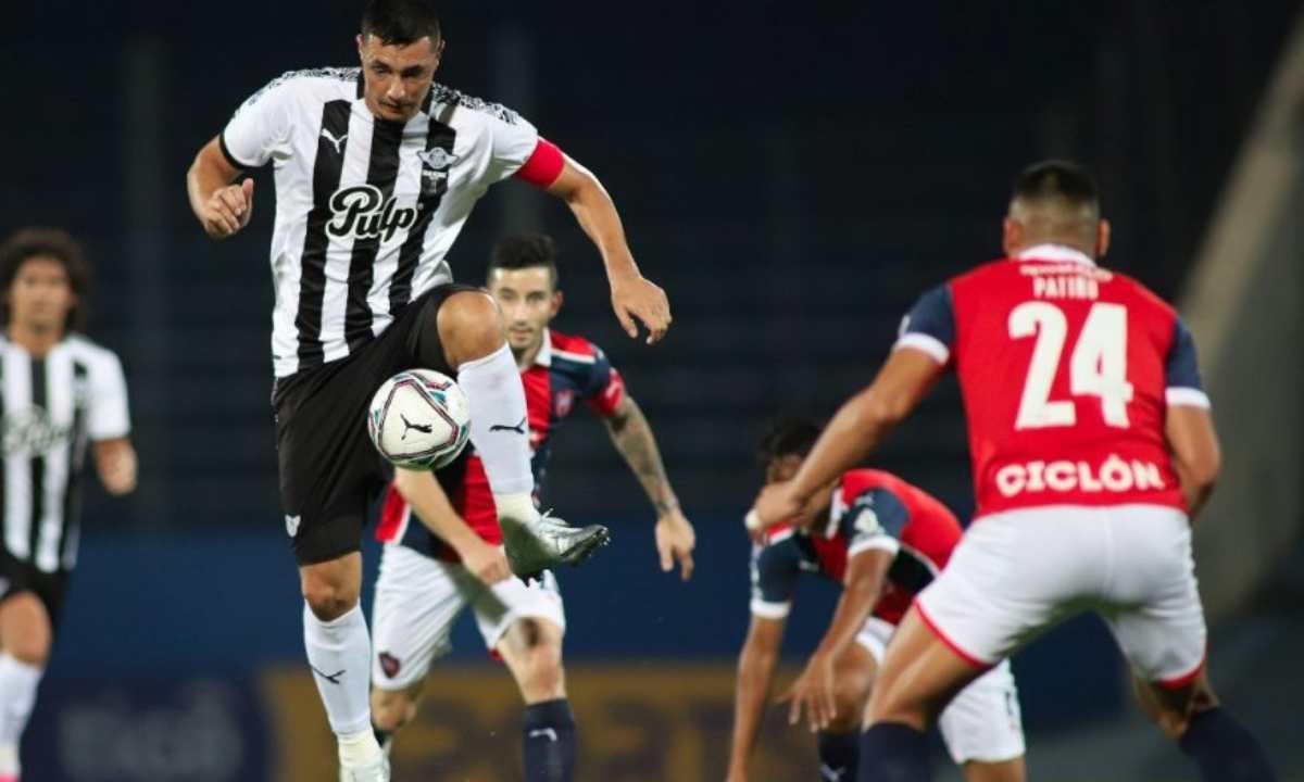 Cerro Porteño fue goleado en la liga local y prepara su viaje a Colombia