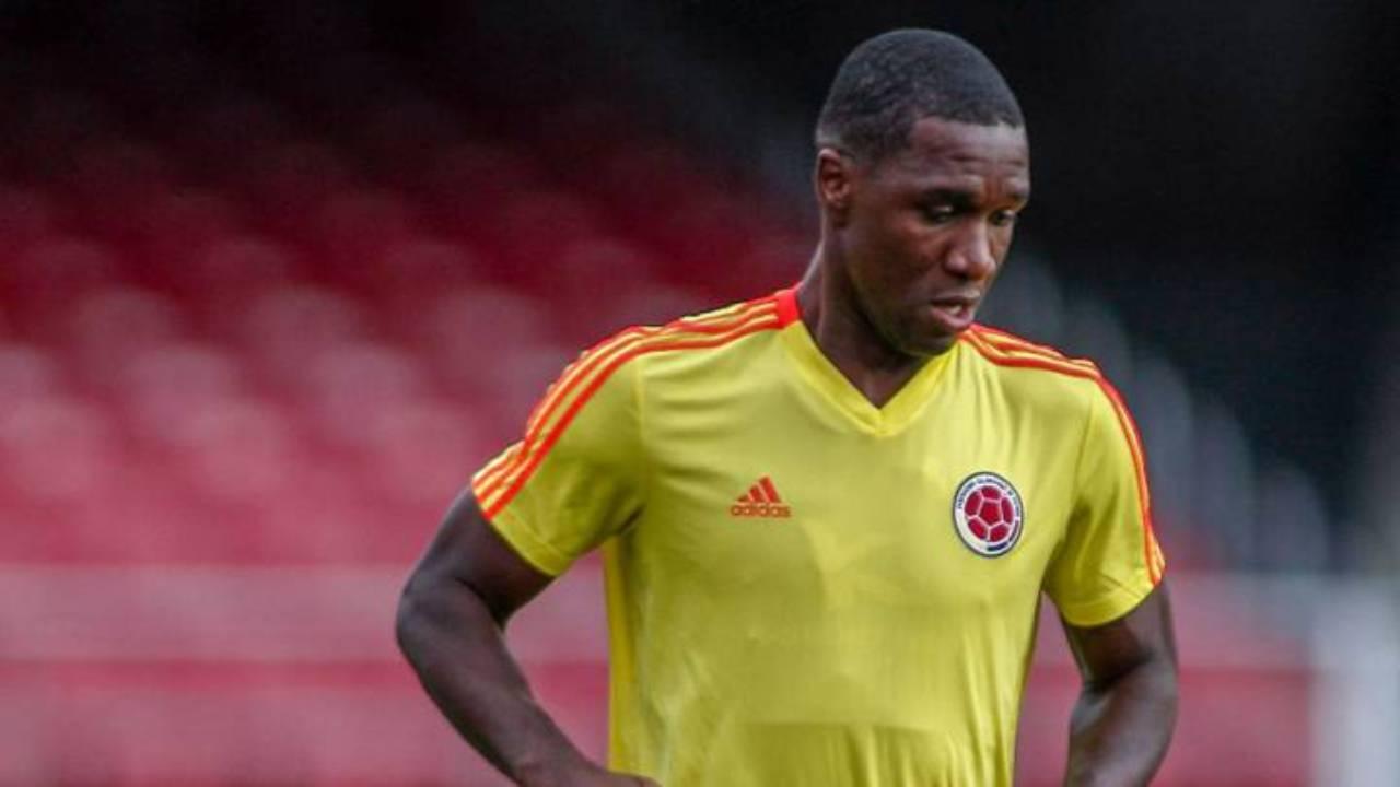Cristian Zapata firmaría en las próximas horas con San Lorenzo, de Argentina
