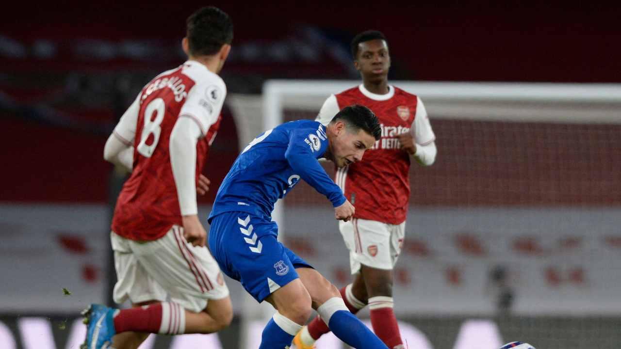Cuarto partido seguido de James y victoria de Everton ante Arsenal