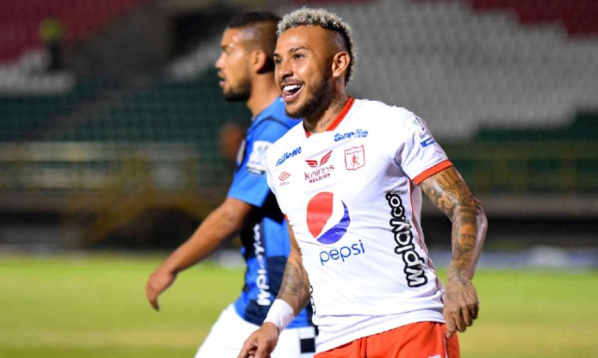 Duván Vergara y el motivo por el que juega por derecha con Juan Cruz Real