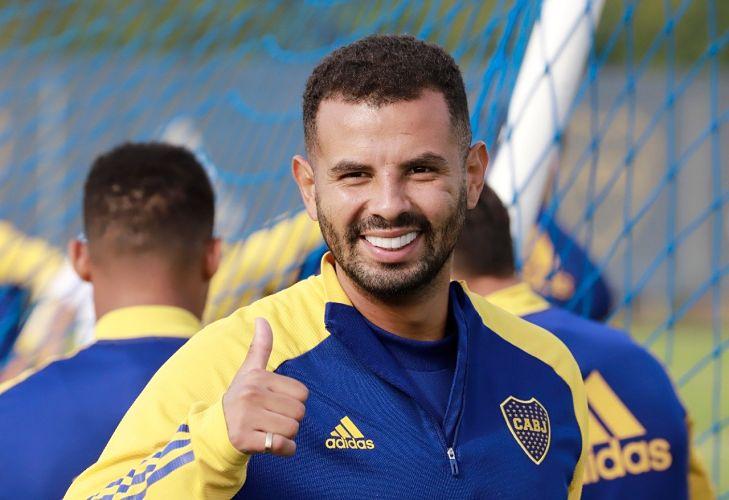 Edwin Cardona volvió a los entrenamientos con Boca Juniors