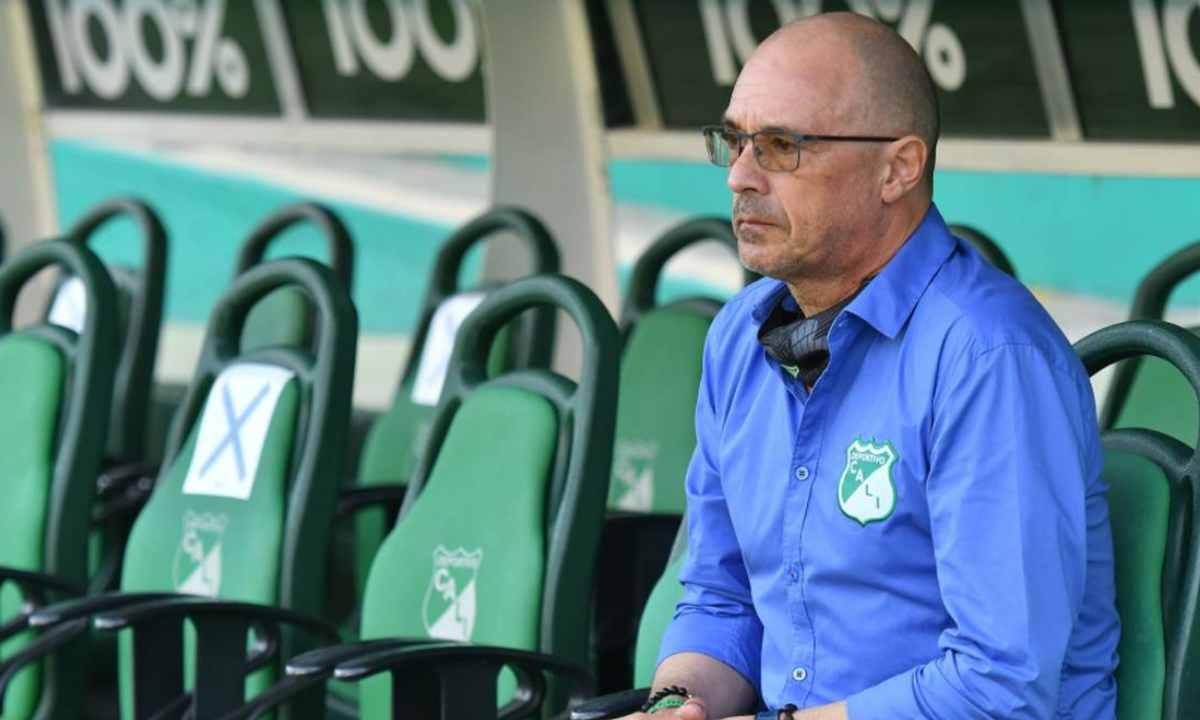 El técnico del Deportivo Cali fue suspendido por la Dimayor durante varias fechas