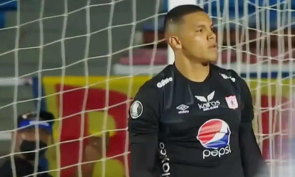 Joel Graterol no pudo salvar en América en Libertadores. Mal arranque