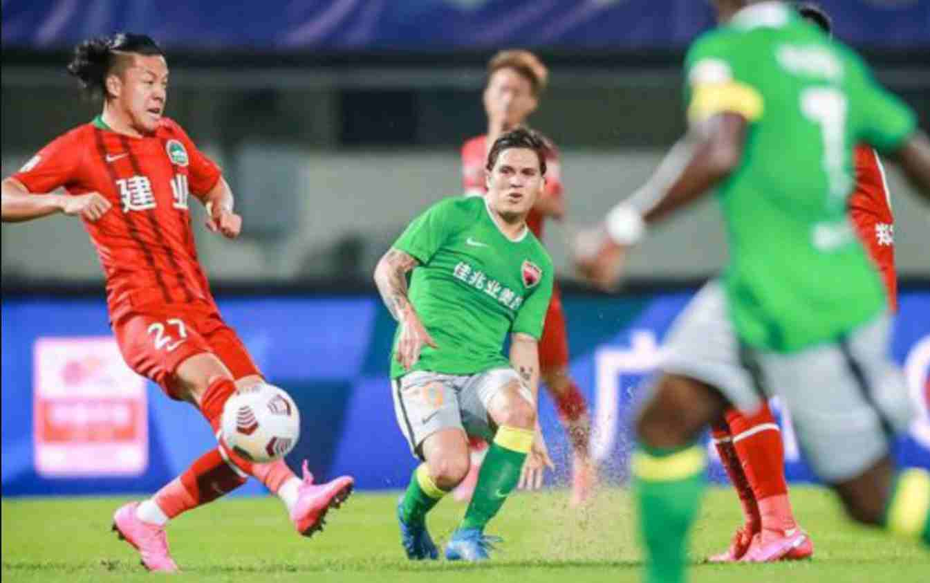 Juan Fernando Quintero hizo 2 asistencias en su debut oficial con el Shenzhen