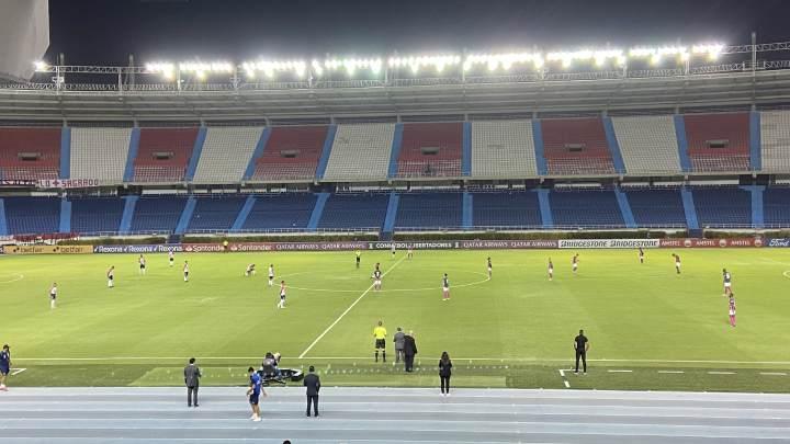 Los errores para los primeros goles de Junior y Santa Fe en la Libertadores