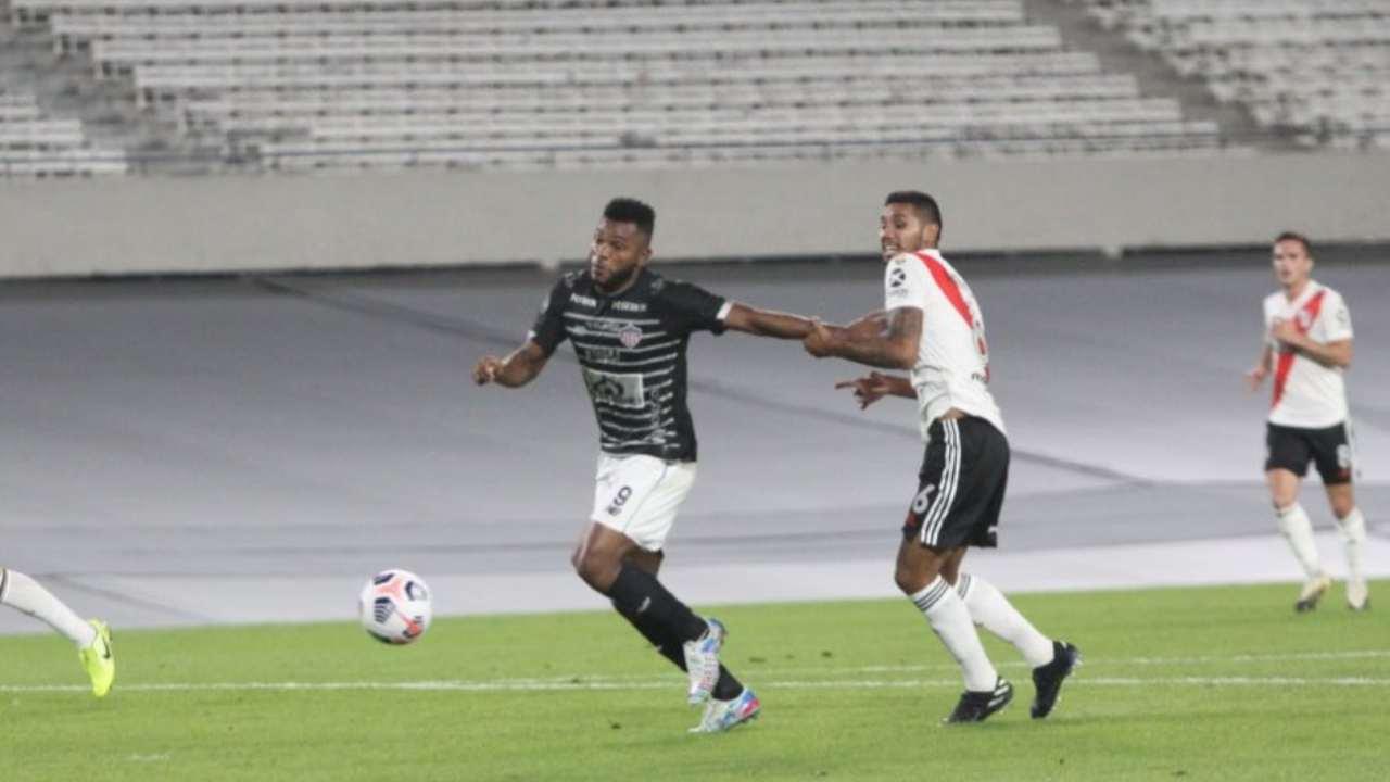 Miguel Ángel Borja ante River penal no pitado y otro gol para su cuenta personal