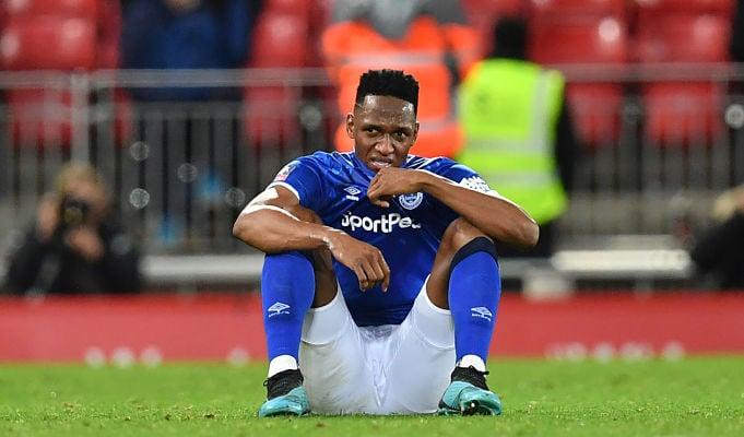 Se prenden las alarmas Yerry Mina salió lesionado en el Everton