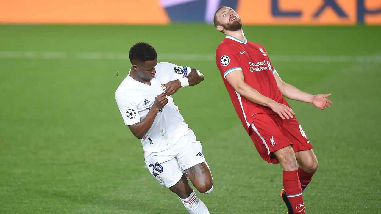 Sin Ramos y Varane, Real Madrid ganó con autoridad ante Liverpool