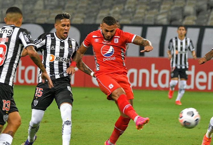 Duván Vergara y la jugada en la que América estuvo cerca de empatarle a Mineiro