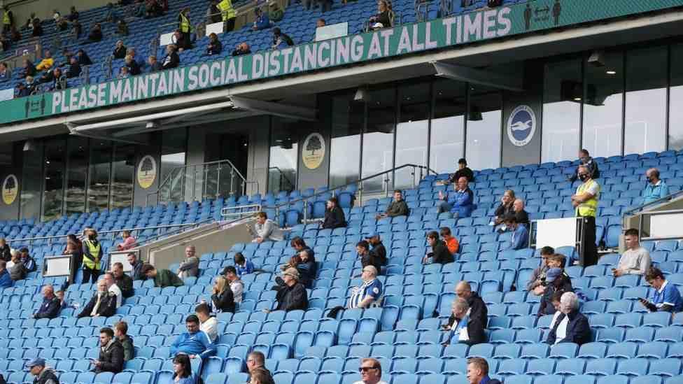 Aficionados en Europa están más seguros de volver a los estadios