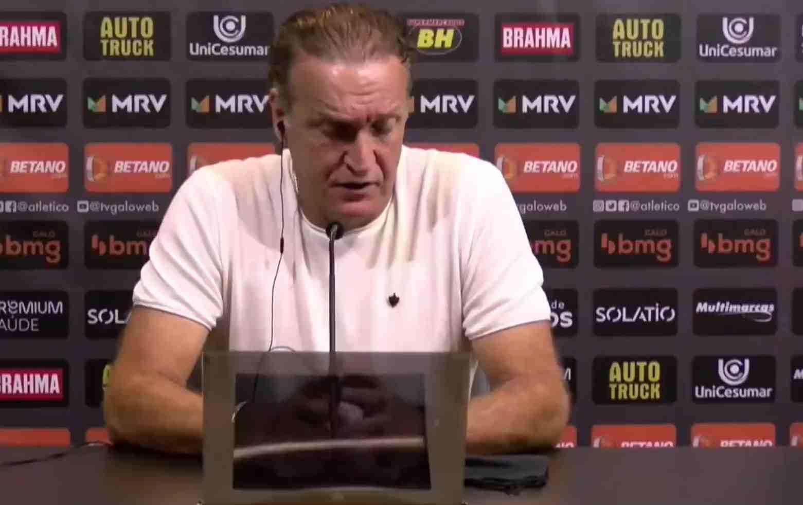 DT de Atlético Mineiro habló sobre los gases lacrimógenos en el Romelio Martínez
