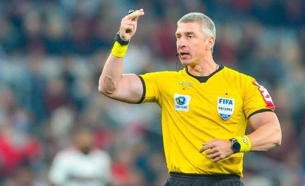 """El árbitro """"más fuerte del mundo"""" dirigirá a Atlético Nacional"""