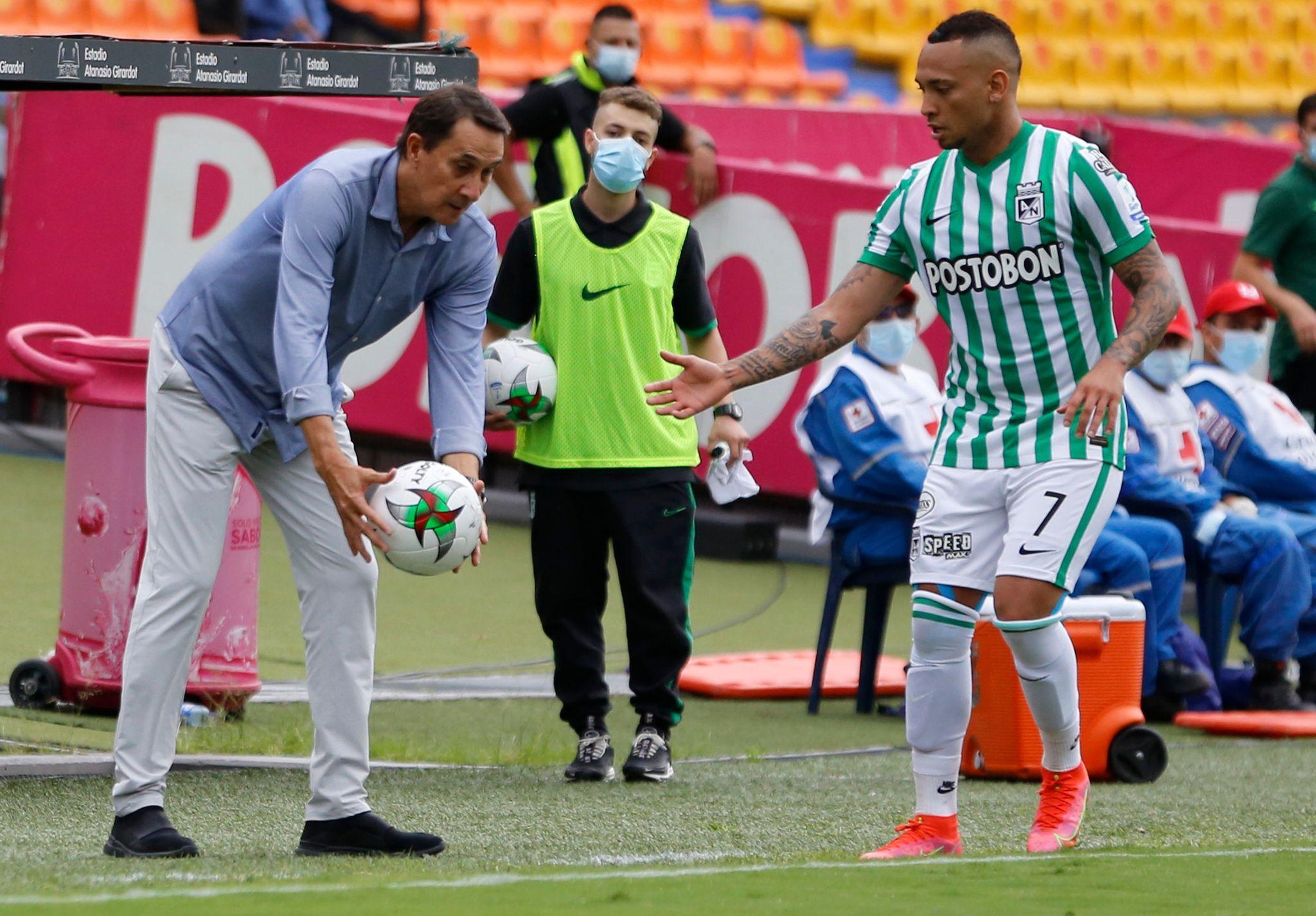"""Alexandre Guimarães: """"Nosotros mismos nos eliminamos"""""""