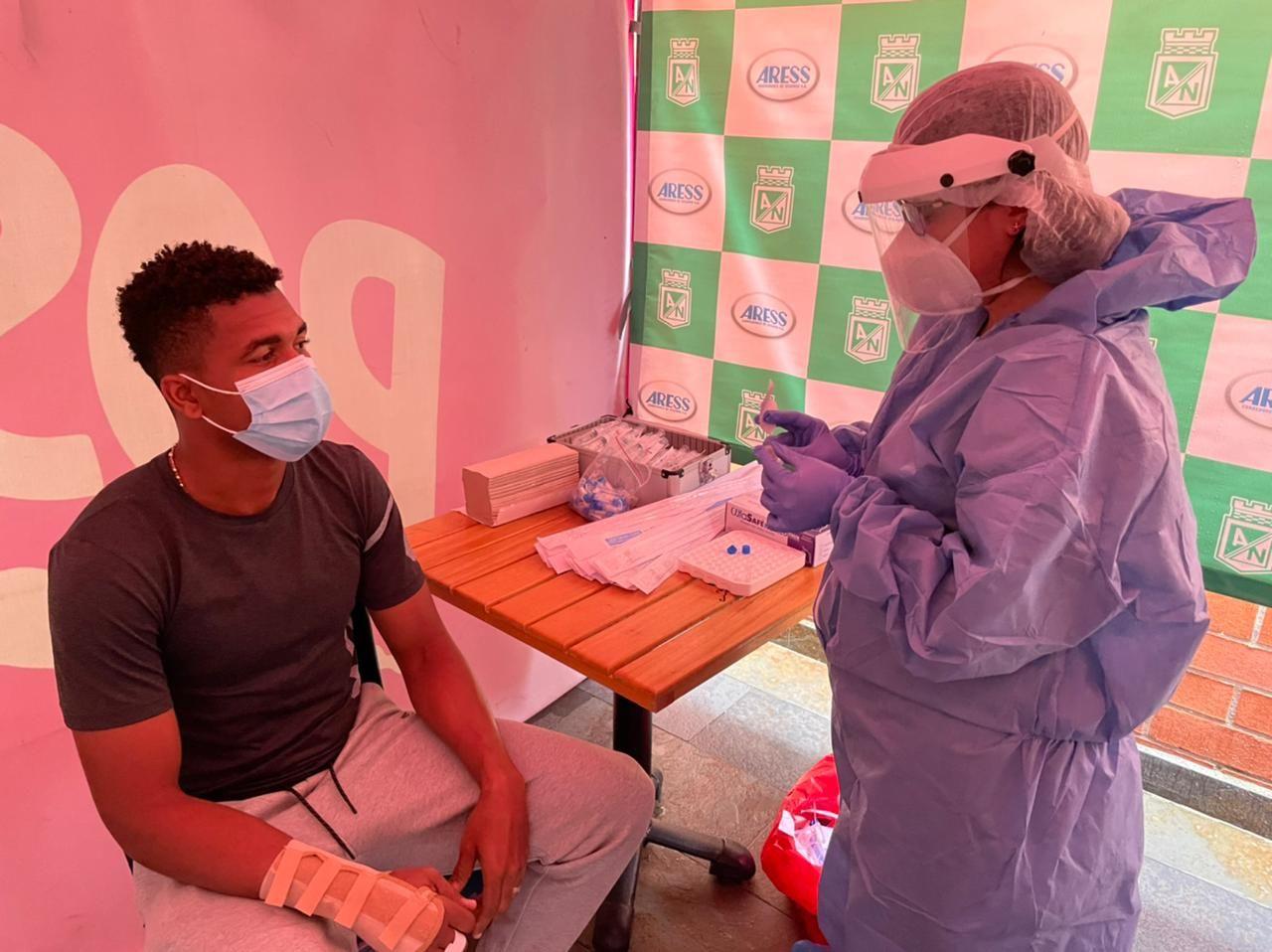 Atlético Nacional recibirá este jueves primera dosis de vacuna contra el COVID-19