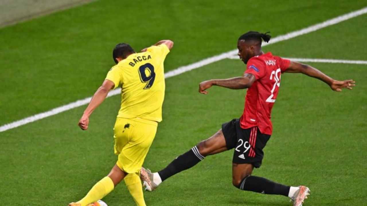 La rabona y el fallo debajo del arco de Carlos Bacca en la final de la Europa League