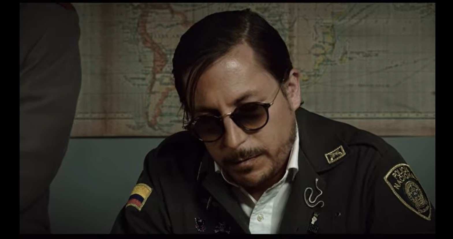 ¿A quiénes alude Alejandro Riaño directa o tácitamente en el video?