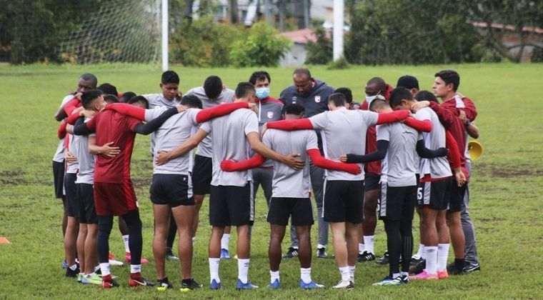 Santa Fe: Convocados, novedades y posible titular para enfrentar a River Plate