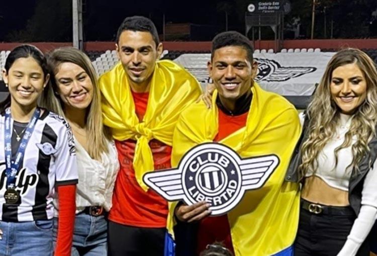 Un nuevo título para Álex Mejía y Daniel Bocanegra