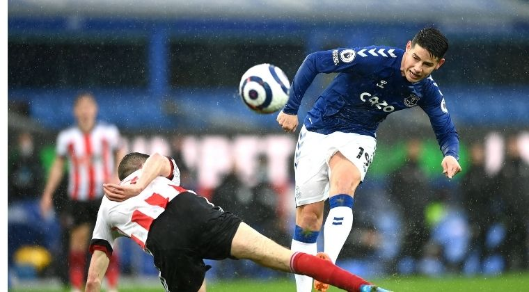 Con James Rodríguez, Everton perdió ante el colero y ya descendido Sheffield United