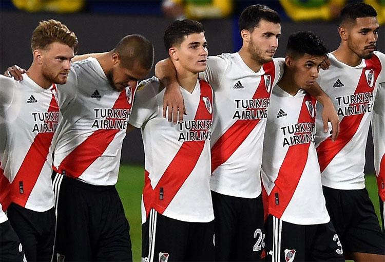 Una casa de apuestas sería patrocinador principal de River Plate
