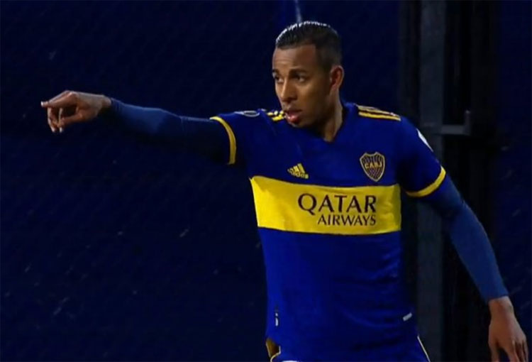 """Villa regresó a Argentina poniendo quejas: """"No me contestan los directivos de Boca Juniors"""""""