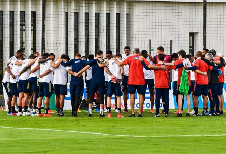 La Selección Colombia ya está en Barranquilla preparando el juego contra Argentina