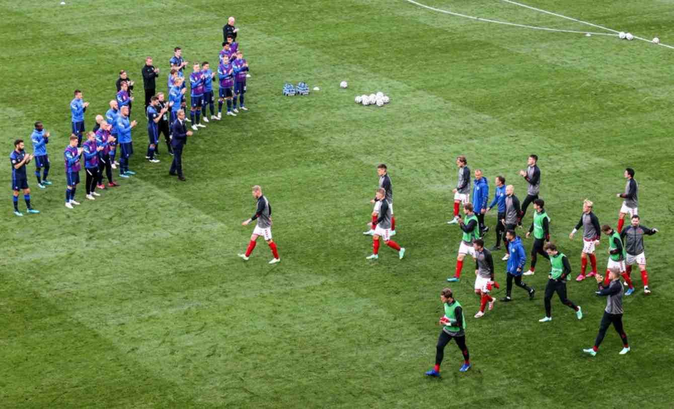 Dinamarca y Finlandia jugaron, tras el desmayo de Eriksen