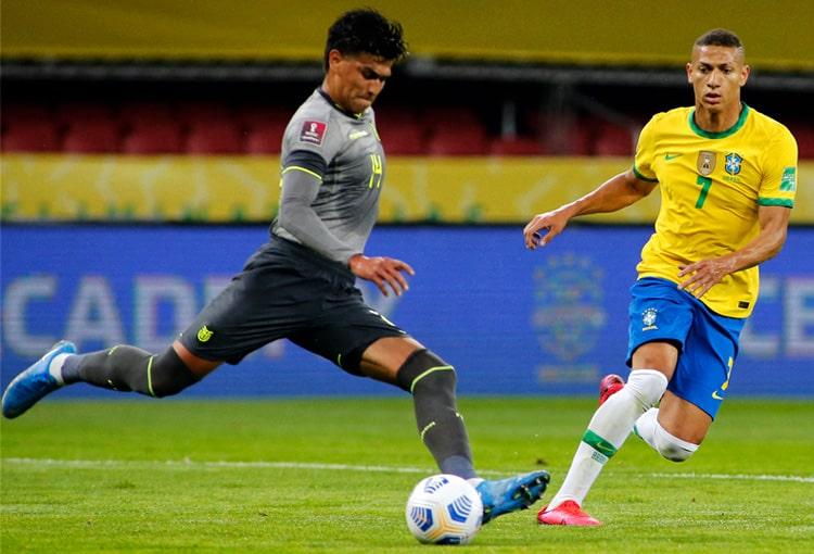 Eliminatorias al Mundial de Fútbol Qatar 2022, Selección de Brasil, Selección de Ecuador