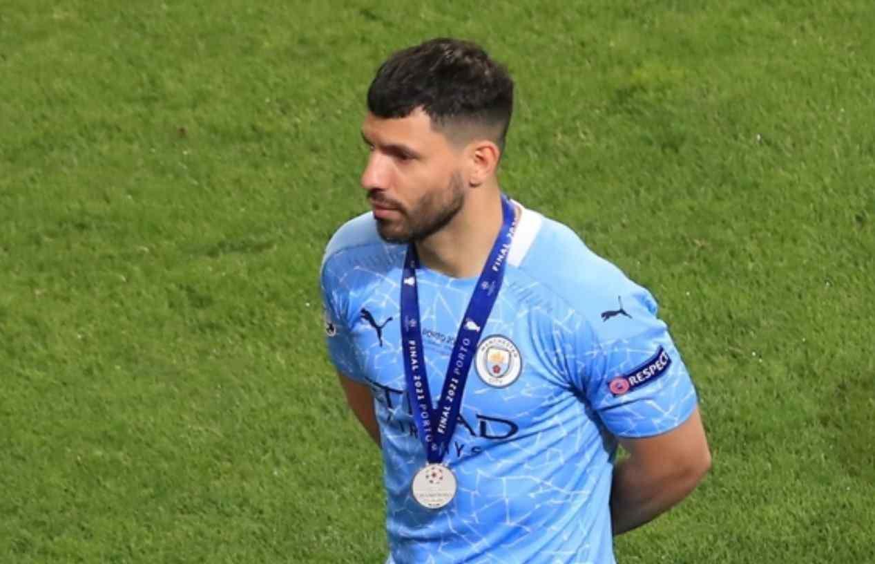 Sergio Agüero regaló relojes a los empleados del Manchester City