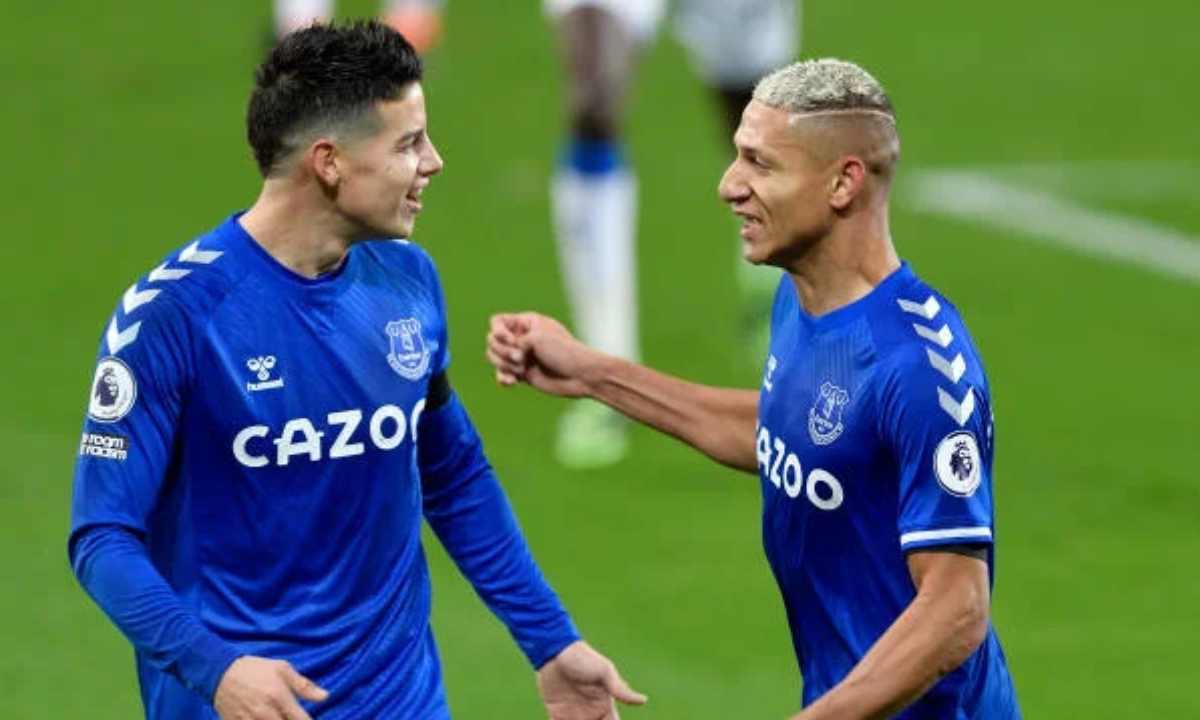 Sin Ancelotti en el Everton, Richarlison y James Rodríguez ya buscan equipo