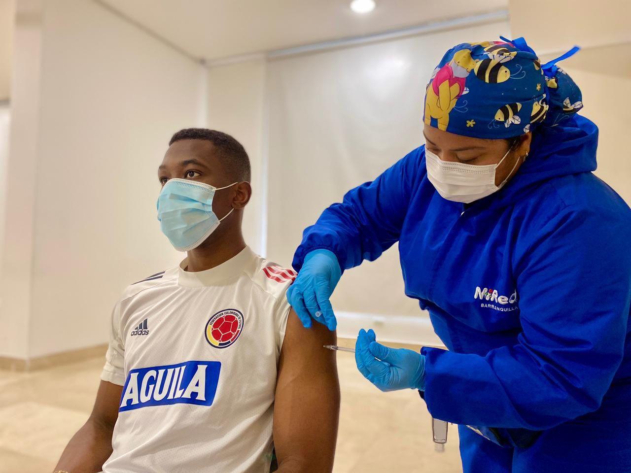 Jugadores de la Selección Colombia recibieron vacuna contra el COVID-19